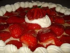 torta-de-frutilla-rellena